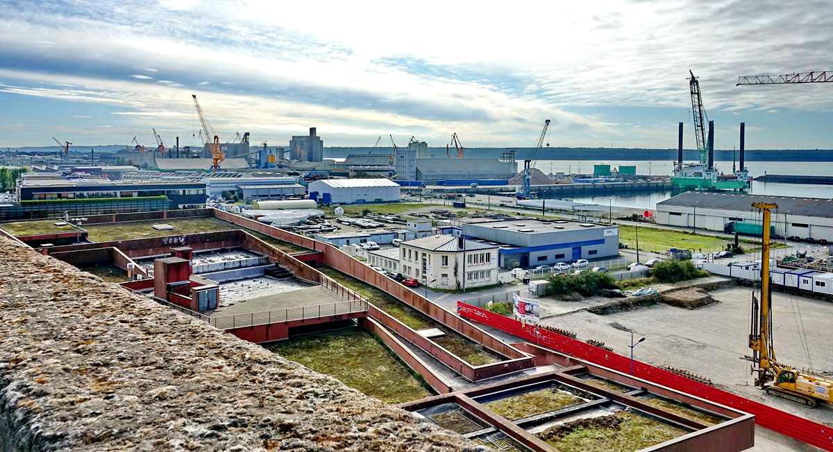 [Vie des ports] BREST Ports et rade - Volume 001 - Page 15 Dsc05072