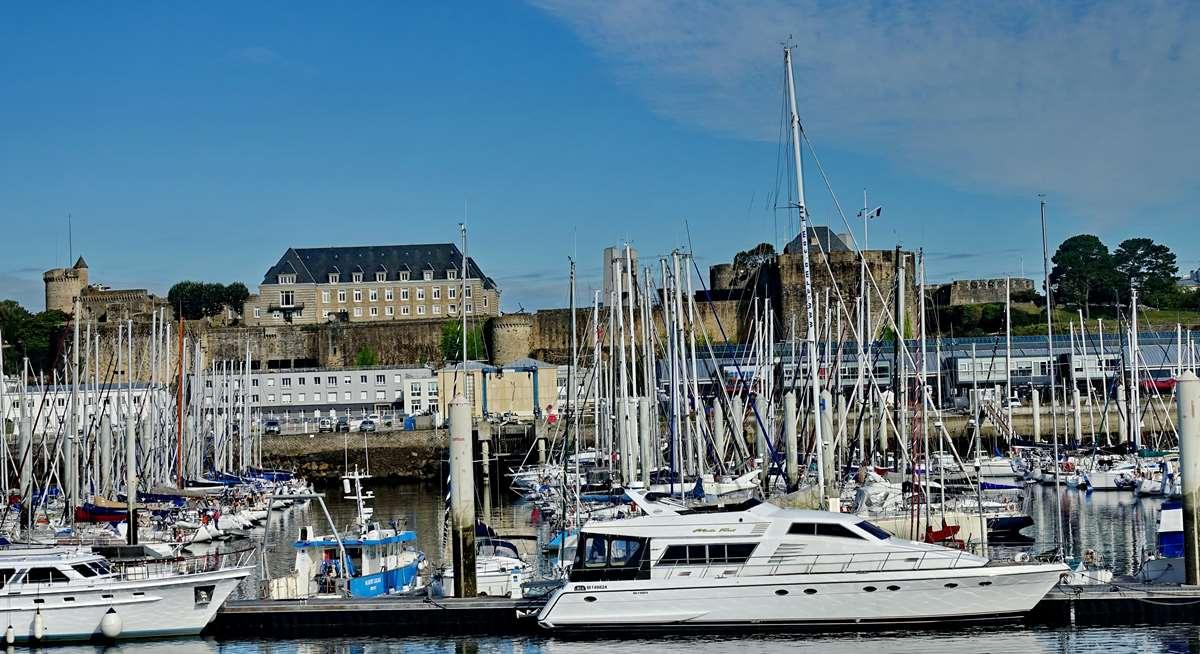 [Vie des ports] BREST Ports et rade - Volume 001 - Page 15 Dsc05271