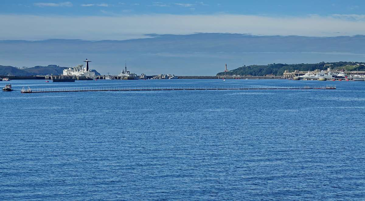 [Les ports militaires de métropole] Port de BREST - TOME 3 - Page 19 Dsc05429