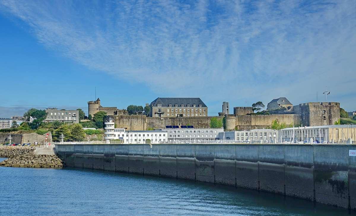 [Les ports militaires de métropole] Port de BREST - TOME 3 - Page 20 Dsc05695