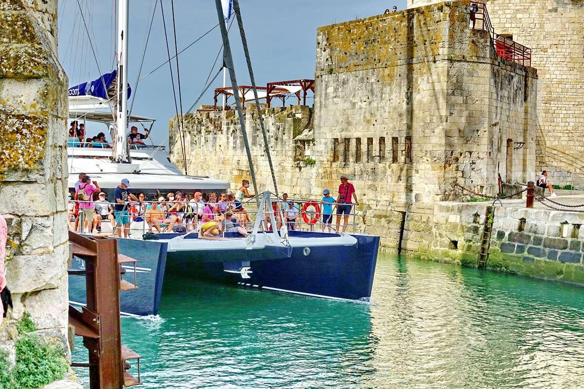 [Vie des Ports ] Port de La Rochelle  - Page 3 Dsc05844