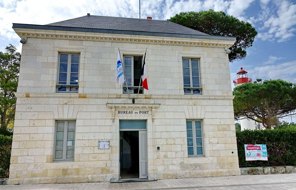 [Vie des Ports ] Port de La Rochelle  - Page 3 Dsc06003