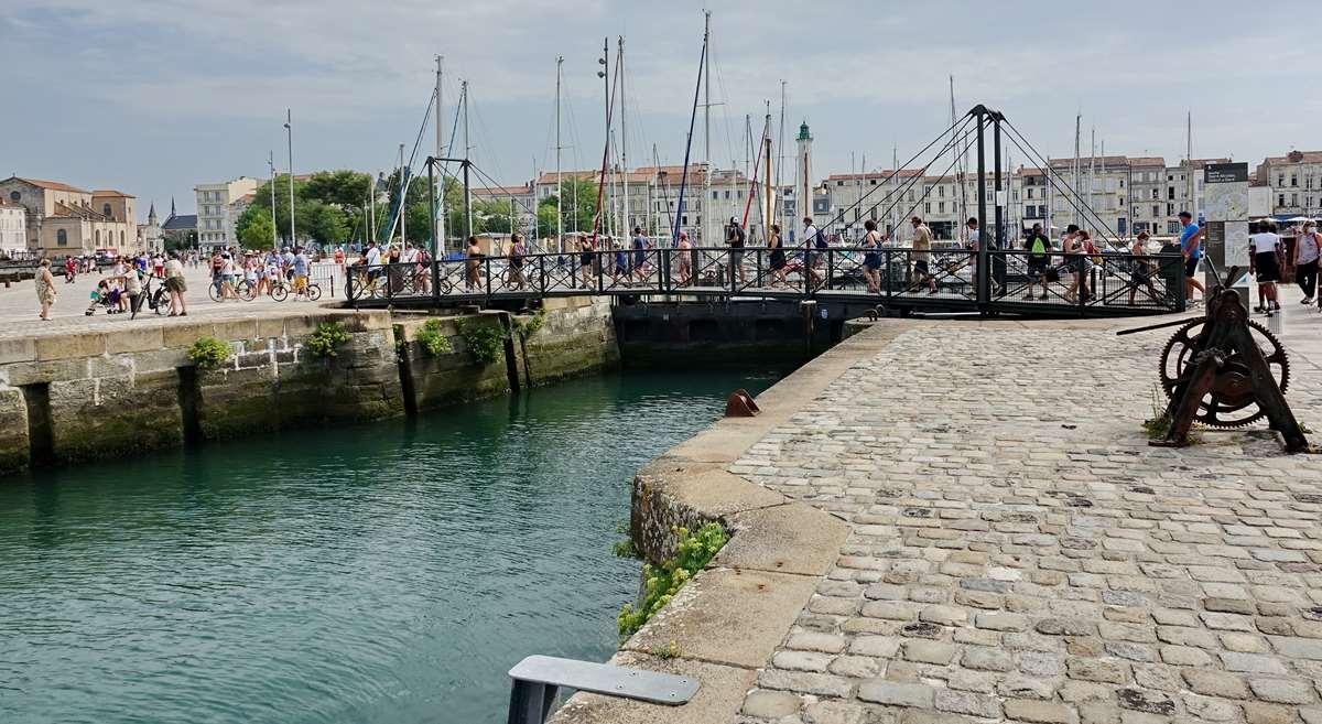 [Vie des Ports ] Port de La Rochelle  - Page 3 Dsc06005