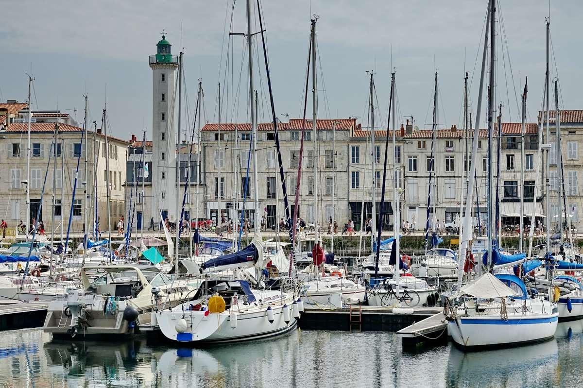 [Vie des Ports ] Port de La Rochelle  - Page 3 Dsc06025