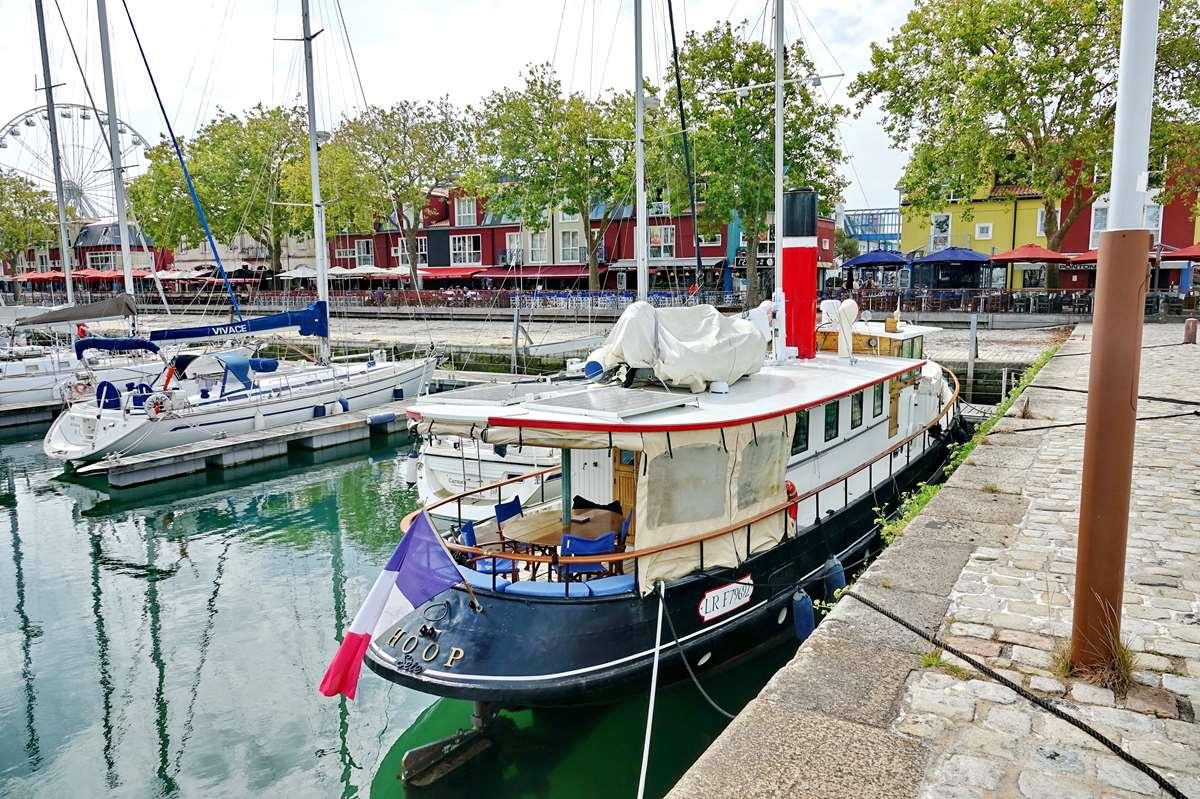 [Vie des Ports ] Port de La Rochelle  - Page 3 Dsc06027