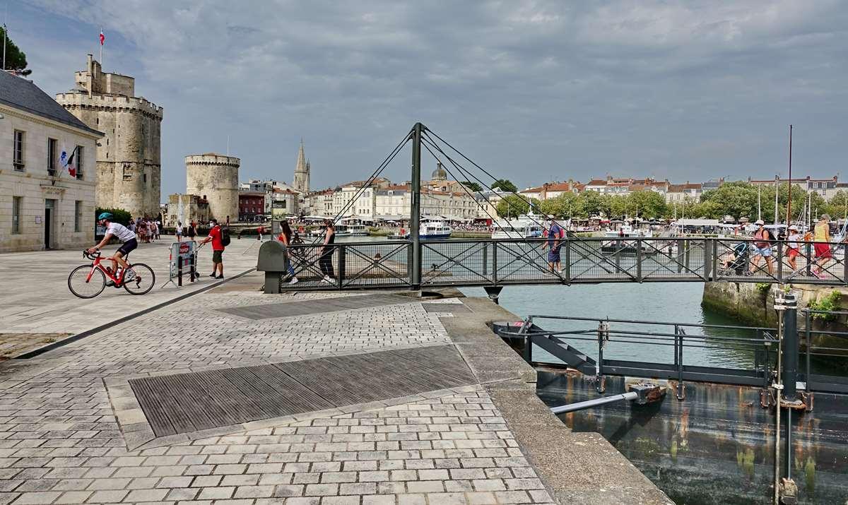 [Vie des Ports ] Port de La Rochelle  - Page 3 Dsc06028