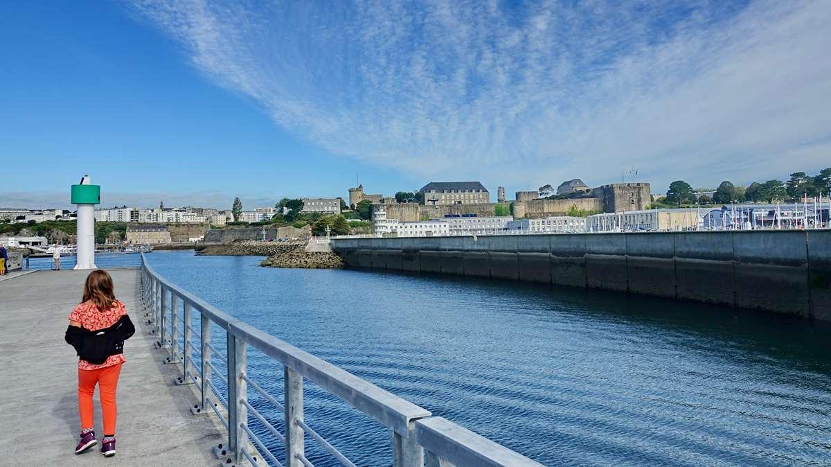 [Les ports militaires de métropole] Port de BREST - TOME 3 - Page 20 Dsc06102