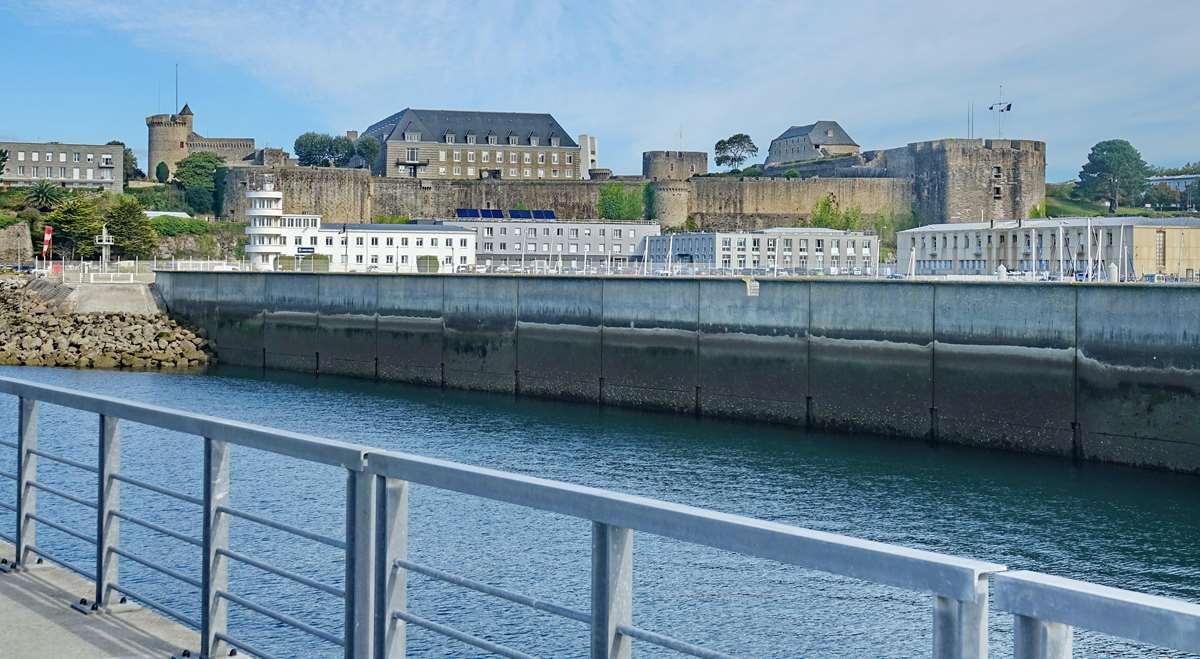 [Les ports militaires de métropole] Port de BREST - TOME 3 - Page 20 Dsc06133