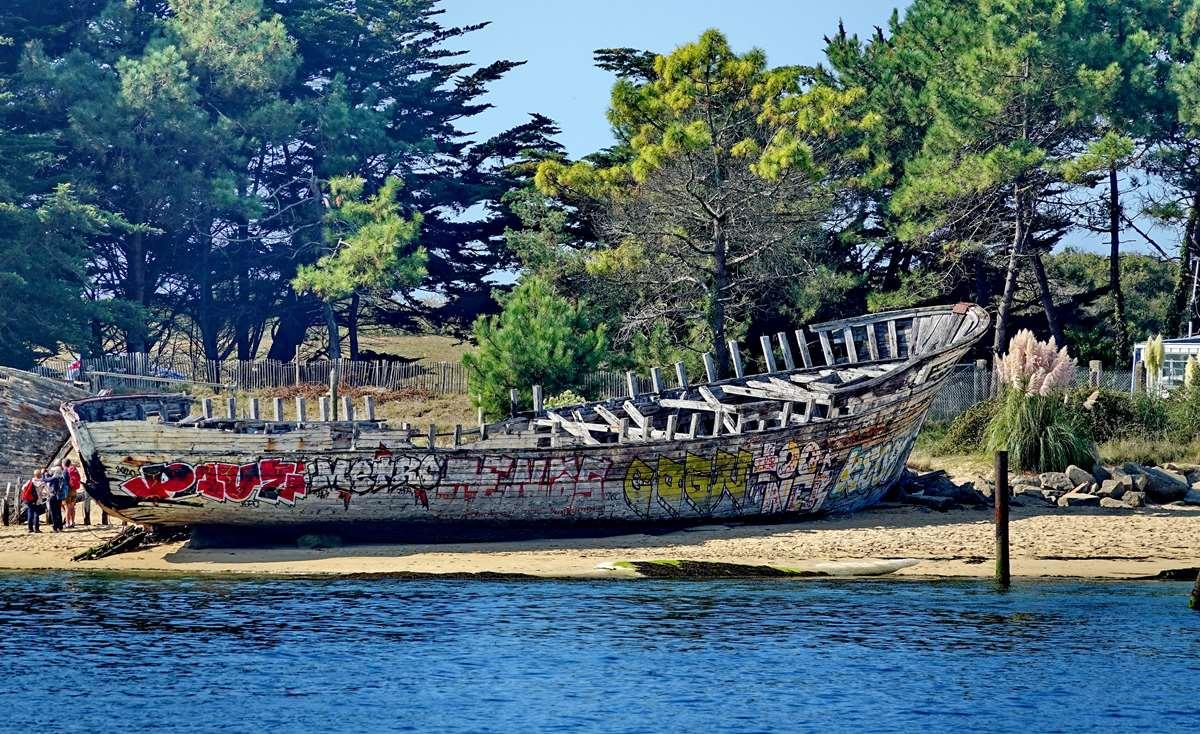 [Vie des ports] Etel d'aujourd'hui et son histoire de la pêche au thon - Page 2 Dsc06308