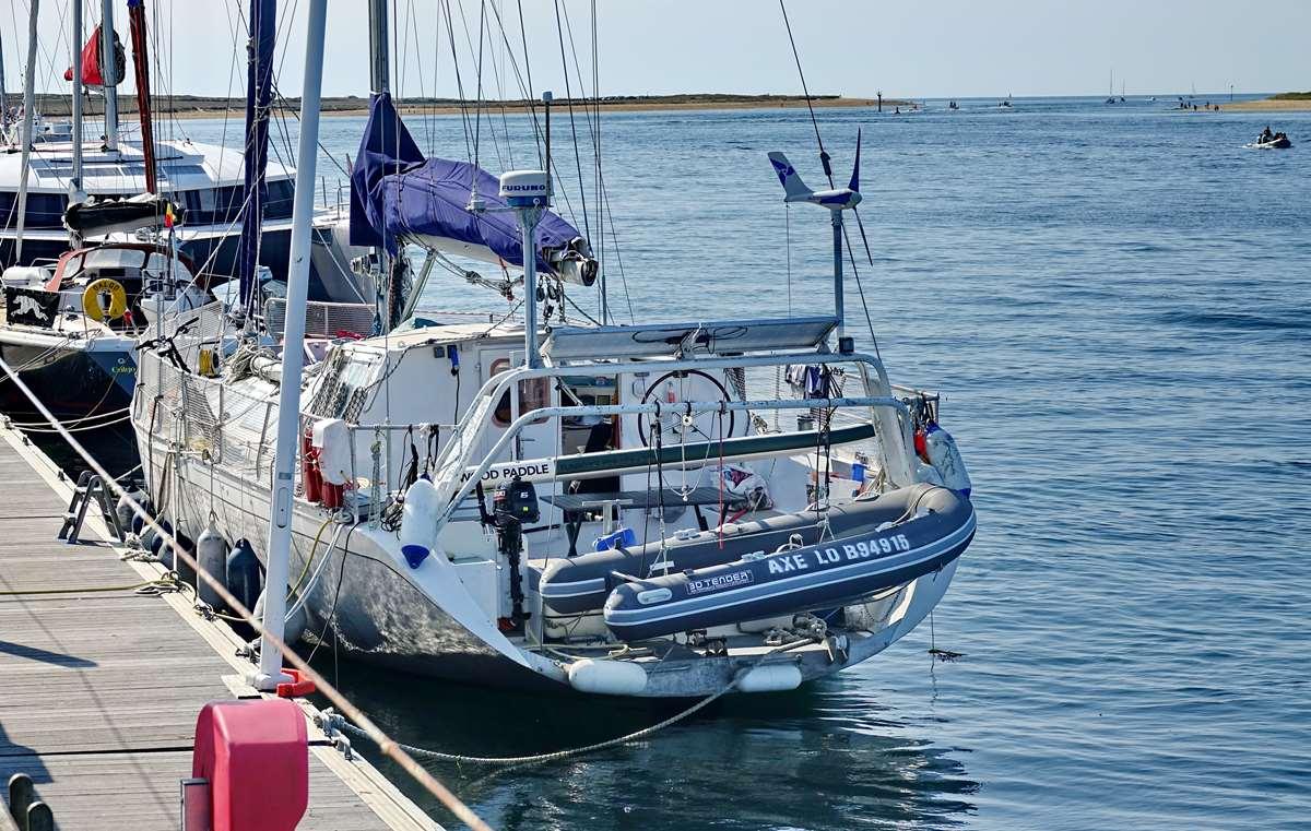 [Vie des ports] Etel d'aujourd'hui et son histoire de la pêche au thon - Page 2 Dsc06318