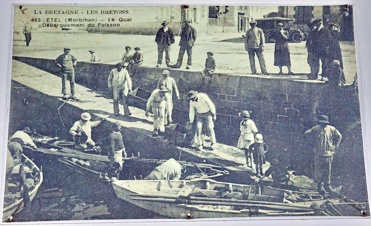 [Vie des ports] Etel d'aujourd'hui et son histoire de la pêche au thon - Page 2 Dsc06338
