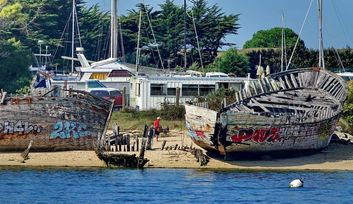 [Vie des ports] Etel d'aujourd'hui et son histoire de la pêche au thon - Page 2 Dsc06349
