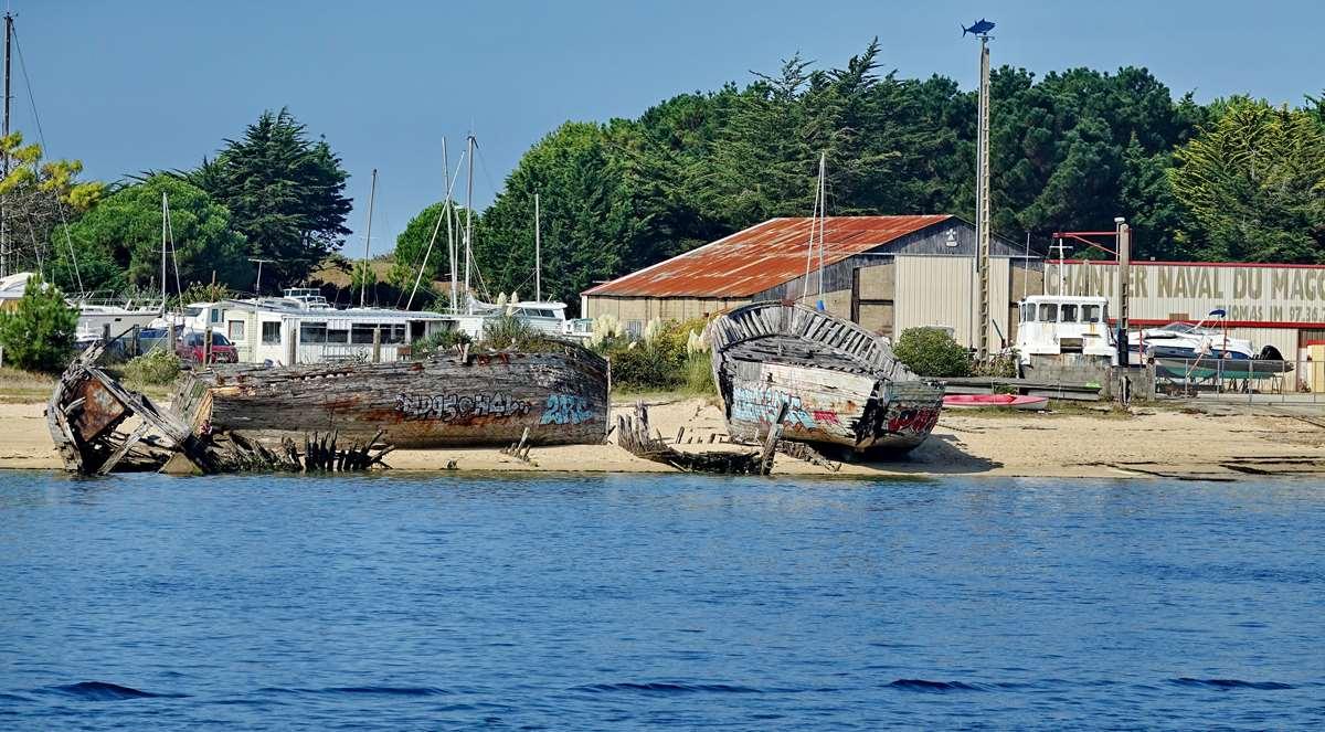 [Vie des ports] Etel d'aujourd'hui et son histoire de la pêche au thon - Page 2 Dsc06376