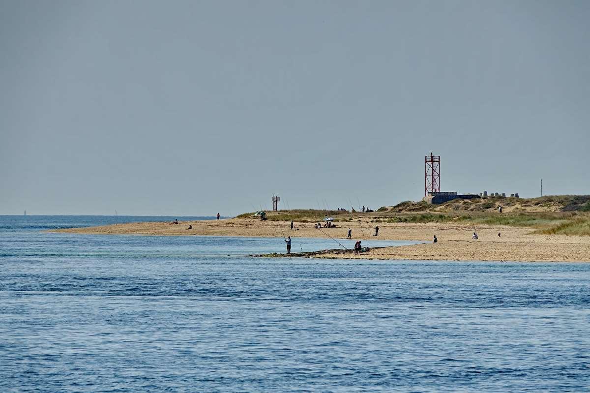 [Vie des ports] Etel d'aujourd'hui et son histoire de la pêche au thon - Page 2 Dsc06380