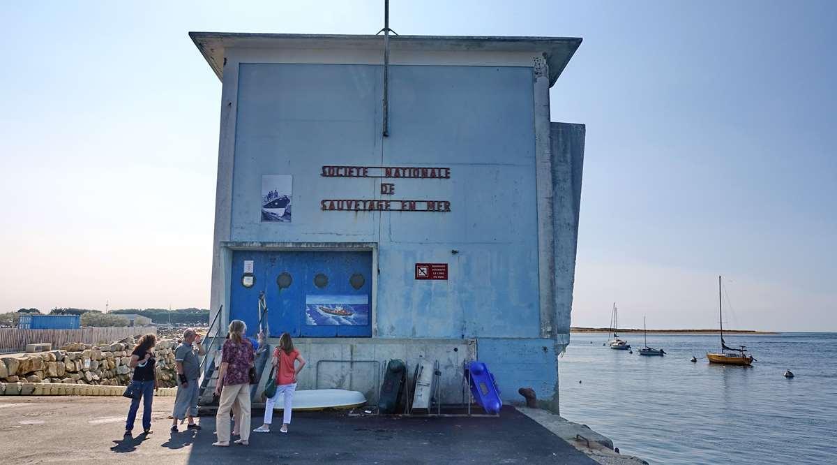 [Vie des ports] Etel d'aujourd'hui et son histoire de la pêche au thon - Page 2 Dsc06391