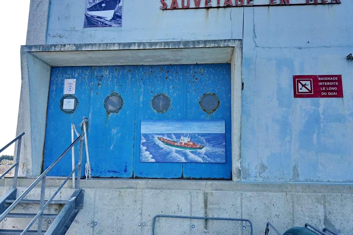 [Vie des ports] Etel d'aujourd'hui et son histoire de la pêche au thon - Page 2 Dsc06396
