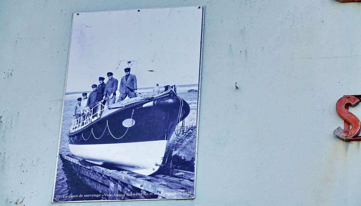 [Vie des ports] Etel d'aujourd'hui et son histoire de la pêche au thon - Page 2 Dsc06397