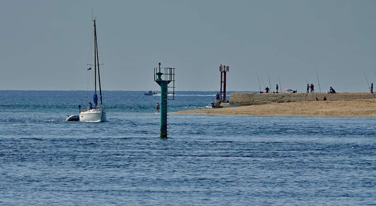 [Vie des ports] Etel d'aujourd'hui et son histoire de la pêche au thon - Page 2 Dsc06454