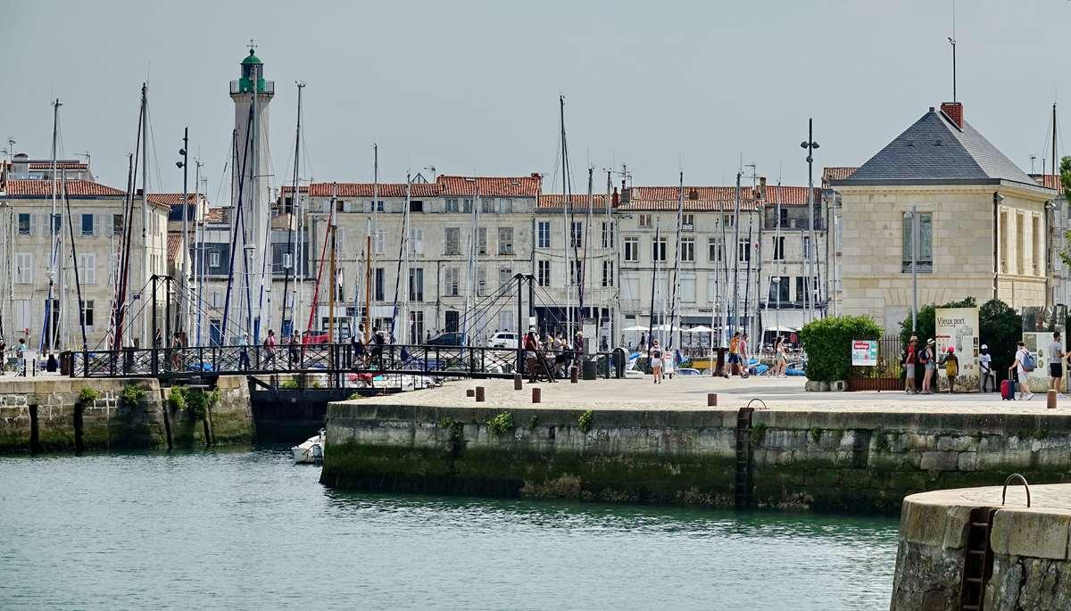 [Vie des Ports ] Port de La Rochelle  - Page 4 Dsc06605