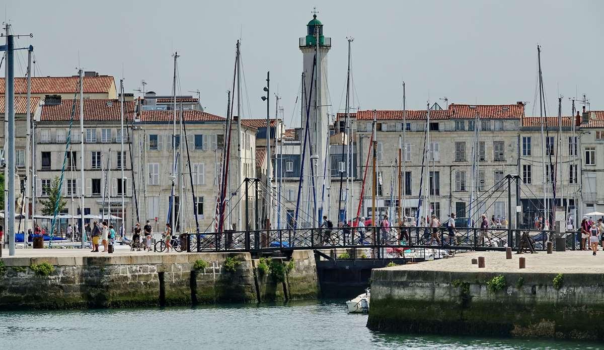 [Vie des Ports ] Port de La Rochelle  - Page 4 Dsc06607