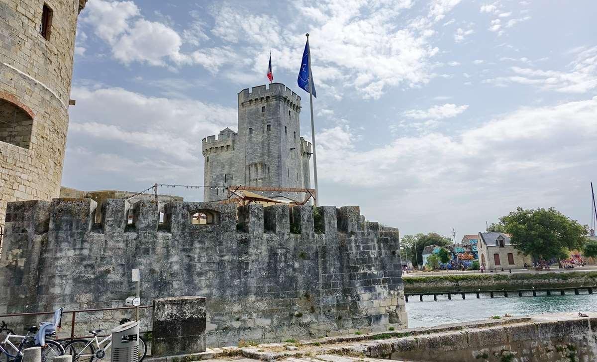 [Vie des Ports ] Port de La Rochelle  - Page 4 Dsc06616