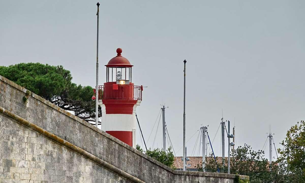 [Vie des Ports ] Port de La Rochelle  - Page 4 Dsc06621