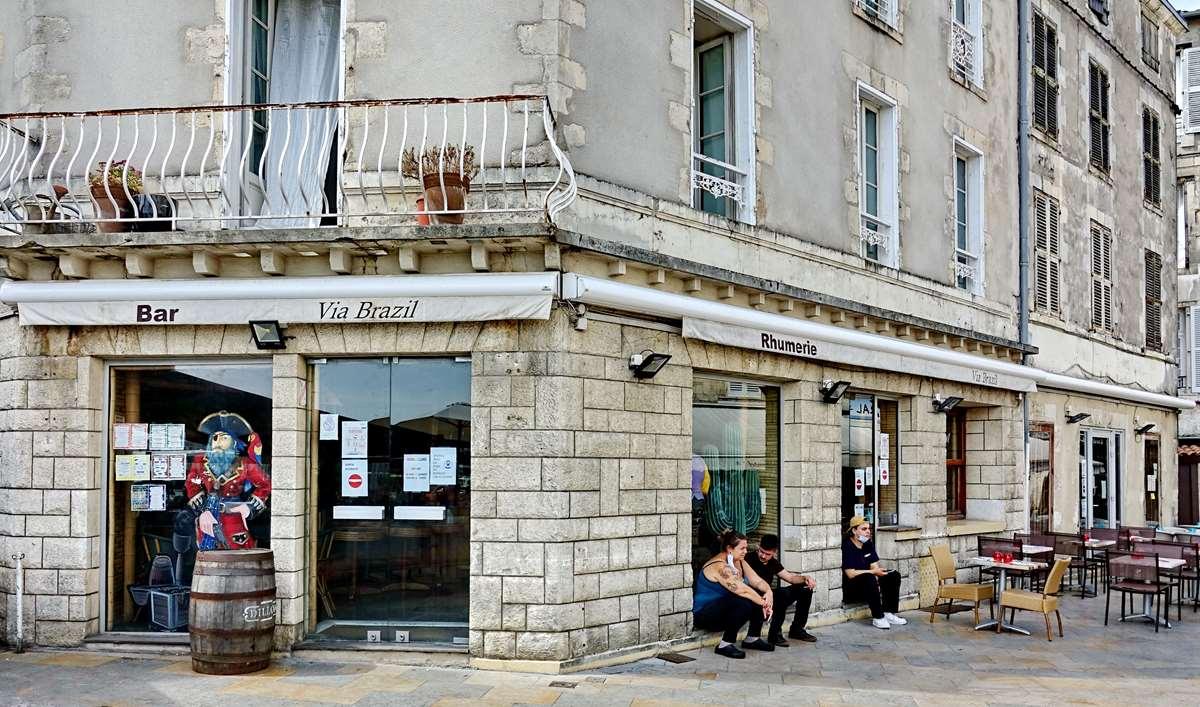 [Vie des Ports ] Port de La Rochelle  - Page 4 Dsc06626
