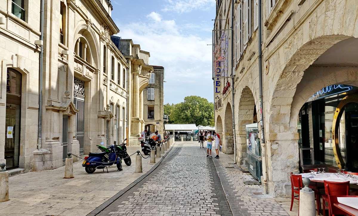 [Vie des Ports ] Port de La Rochelle  - Page 5 Dsc06741