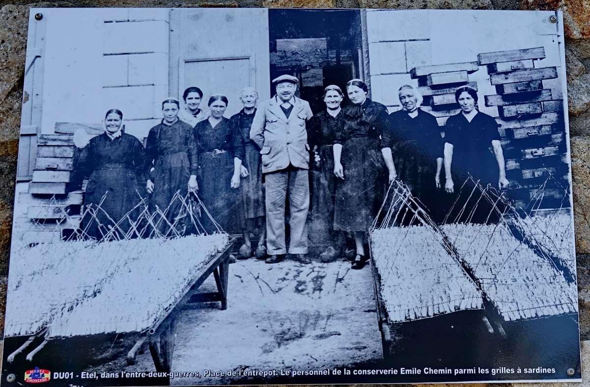 [Vie des ports] Etel d'aujourd'hui et son histoire de la pêche au thon - Page 2 Dsc06889
