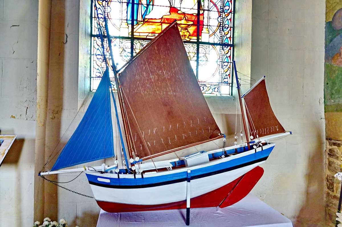 [Vie des ports] Etel d'aujourd'hui et son histoire de la pêche au thon - Page 3 Dsc06999