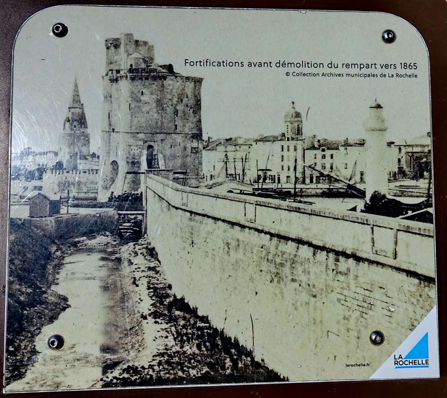 [Vie des Ports ] Port de La Rochelle  - Page 5 Dsc07069