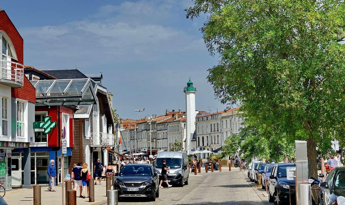 [Vie des Ports ] Port de La Rochelle  - Page 5 Dsc07083