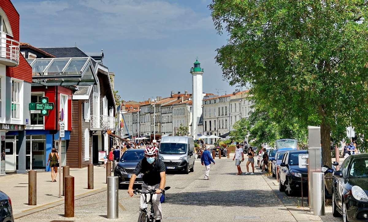 [Vie des Ports ] Port de La Rochelle  - Page 5 Dsc07084