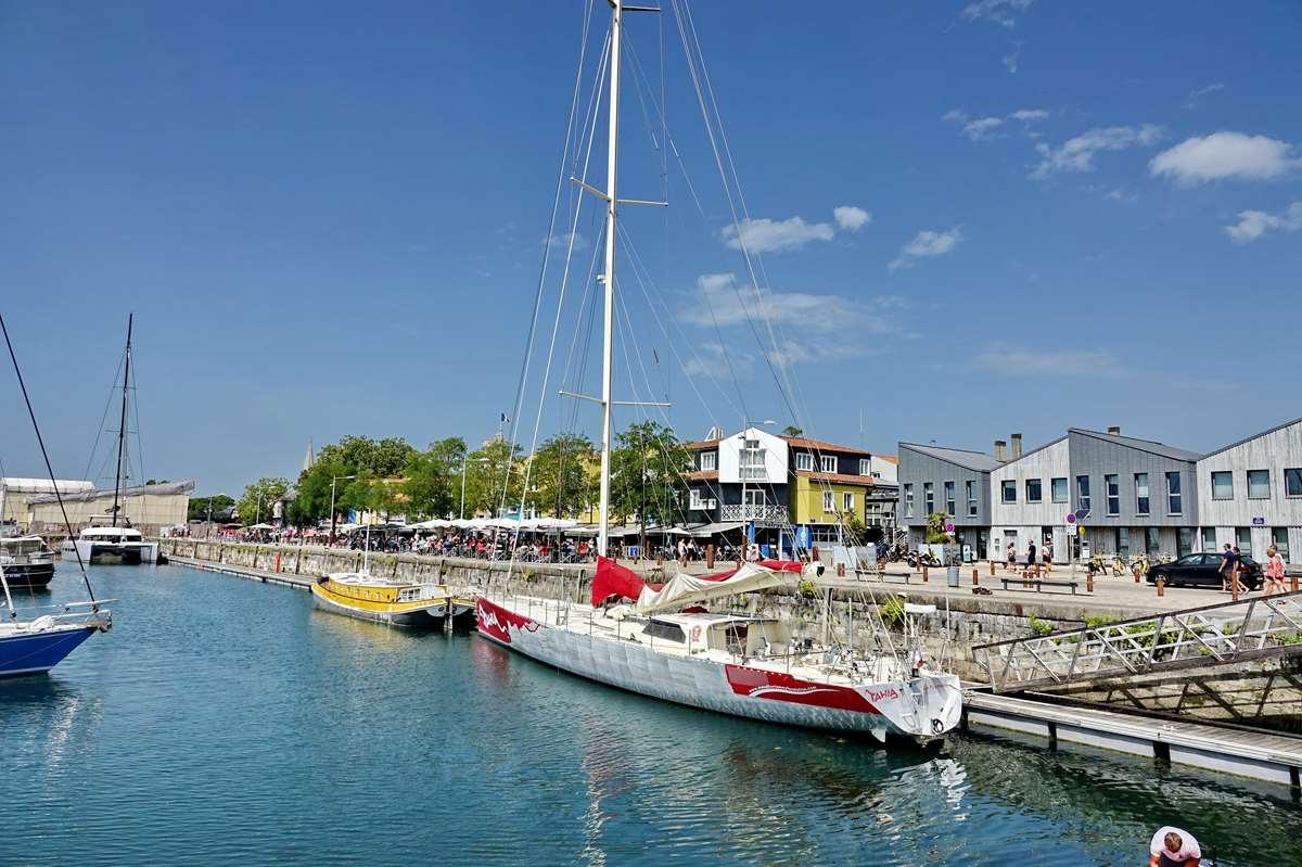 [Vie des Ports ] Port de La Rochelle  - Page 5 Dsc07085