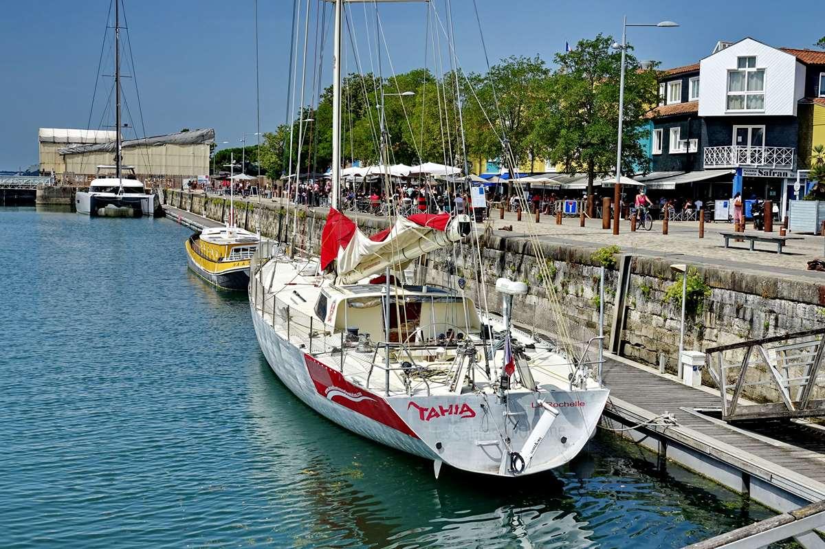 [Vie des Ports ] Port de La Rochelle  - Page 5 Dsc07086