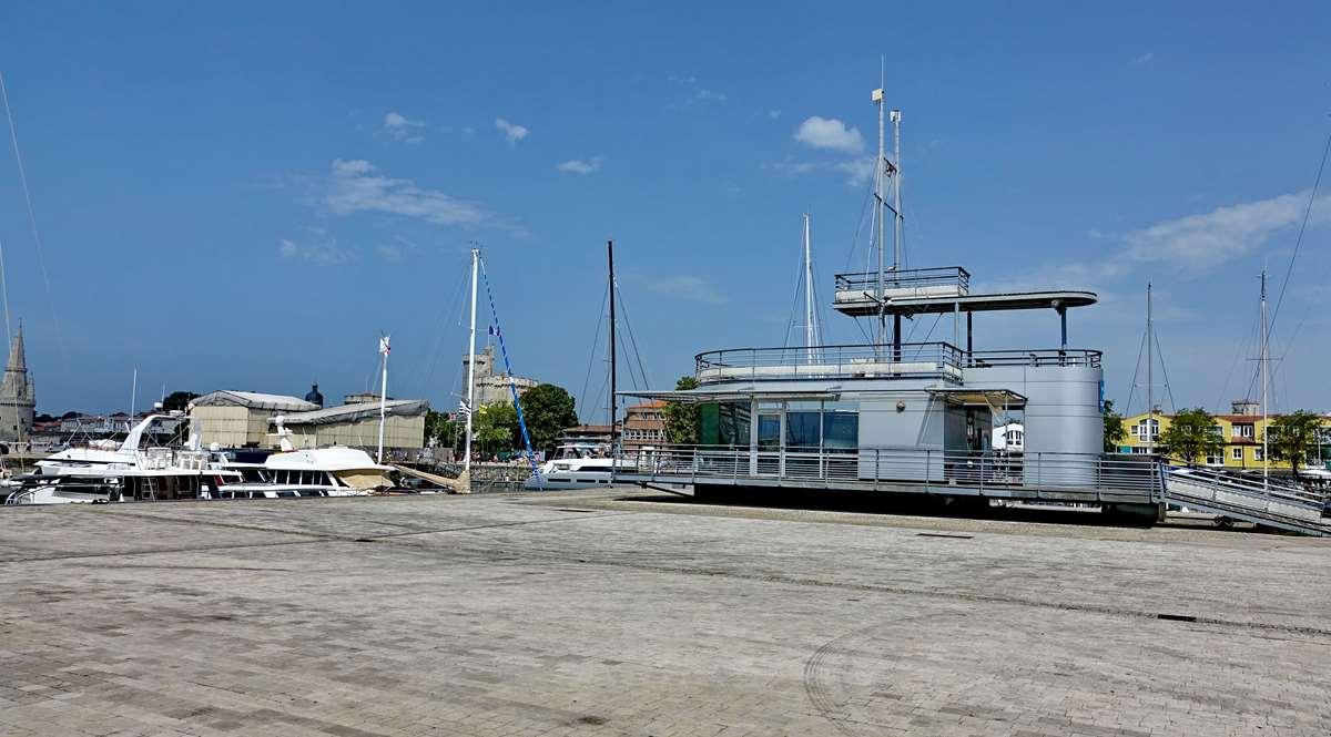 [Vie des Ports ] Port de La Rochelle  - Page 5 Dsc07091