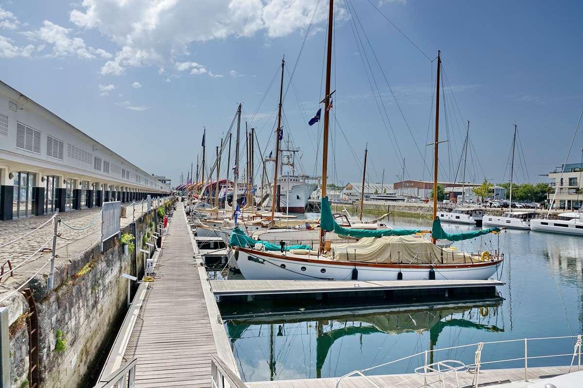 [Vie des Ports ] Port de La Rochelle  - Page 5 Dsc07096