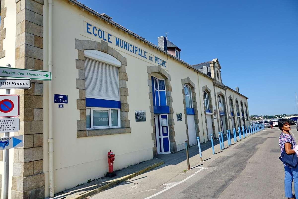 [Vie des ports] Etel d'aujourd'hui et son histoire de la pêche au thon - Page 3 Dsc09992