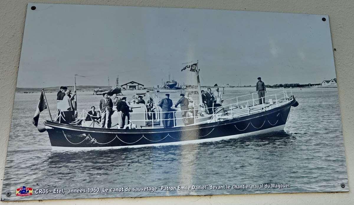 [Vie des ports] Etel d'aujourd'hui et son histoire de la pêche au thon - Page 3 Dsc09999