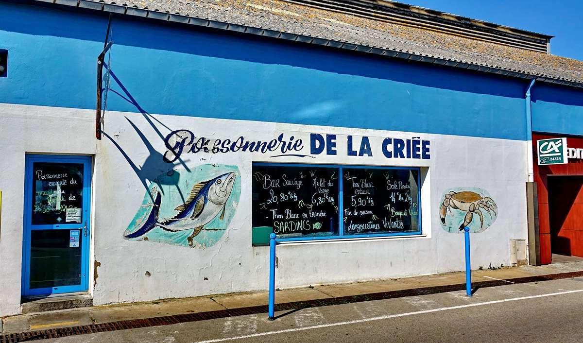 [Vie des ports] Etel d'aujourd'hui et son histoire de la pêche au thon - Page 3 Dsc10006