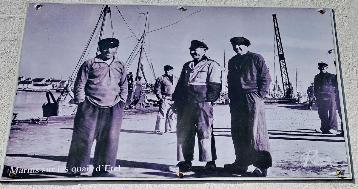 [Vie des ports] Etel d'aujourd'hui et son histoire de la pêche au thon - Page 3 Dsc10026
