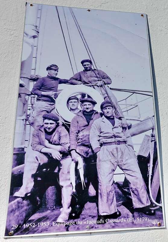 [Vie des ports] Etel d'aujourd'hui et son histoire de la pêche au thon - Page 3 Dsc10031