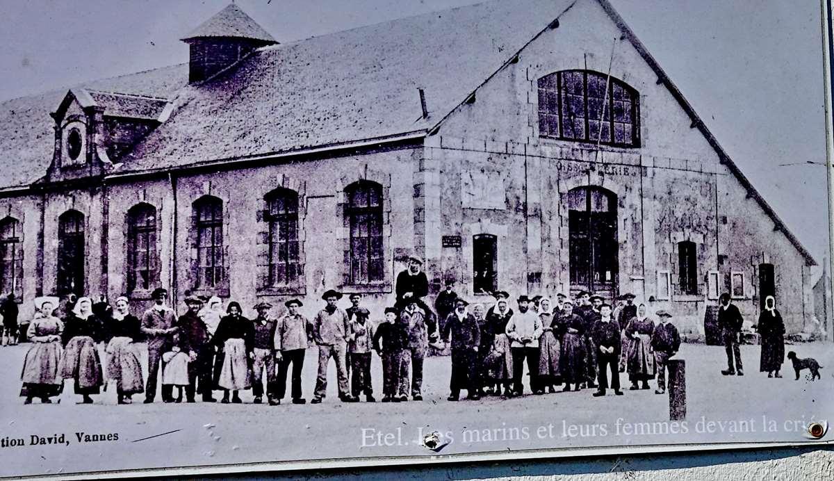 [Vie des ports] Etel d'aujourd'hui et son histoire de la pêche au thon - Page 3 Dsc10036