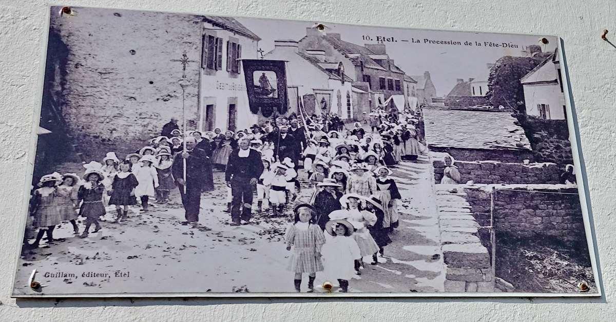 [Vie des ports] Etel d'aujourd'hui et son histoire de la pêche au thon - Page 3 Dsc10037