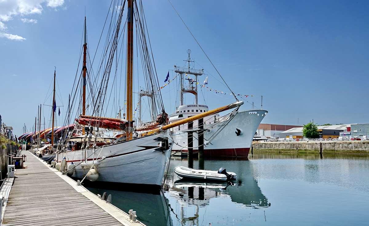 [Vie des Ports ] Port de La Rochelle  - Page 6 Dsc10178