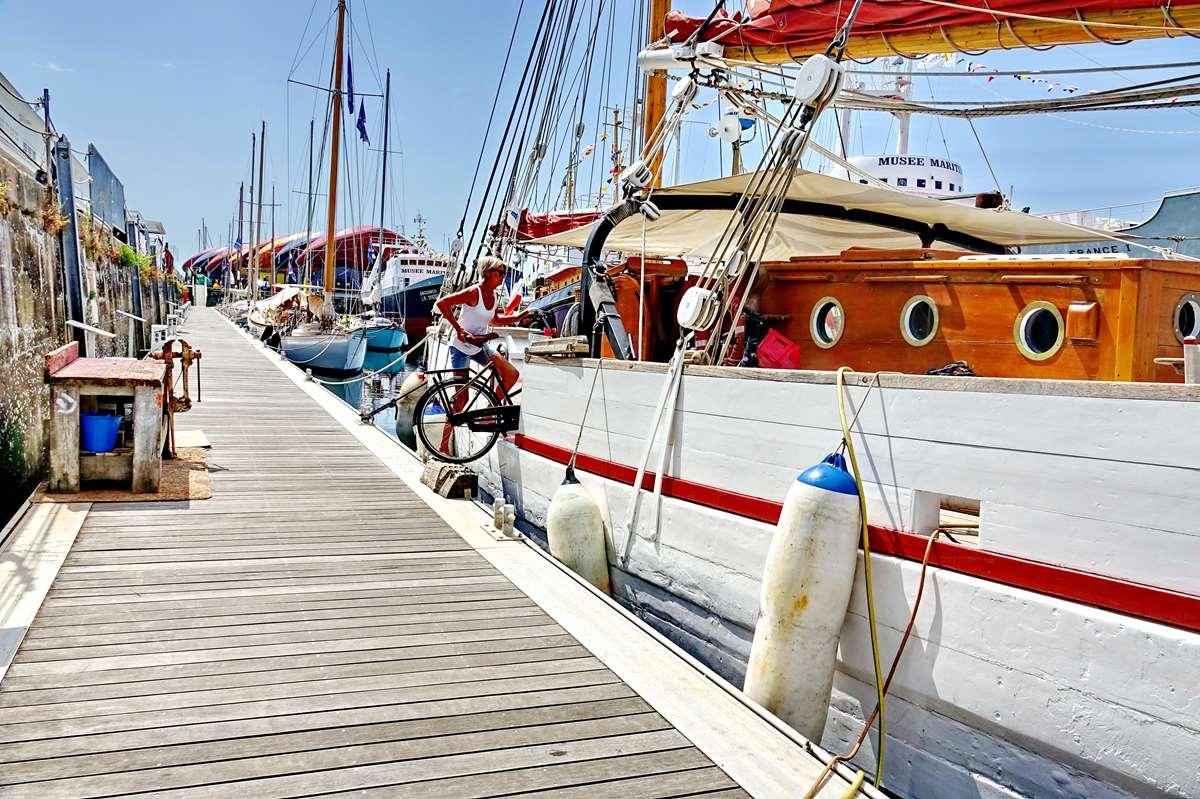 [Vie des Ports ] Port de La Rochelle  - Page 6 Dsc10184