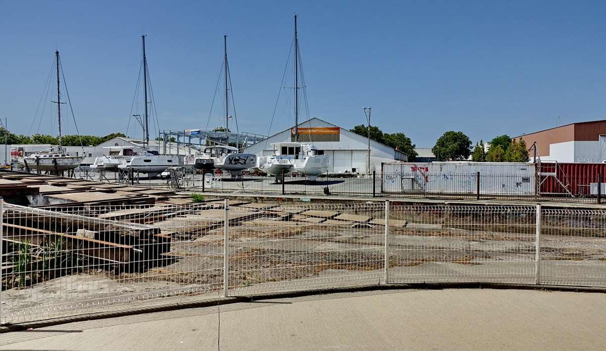 [Vie des Ports ] Port de La Rochelle  - Page 6 Dsc10242