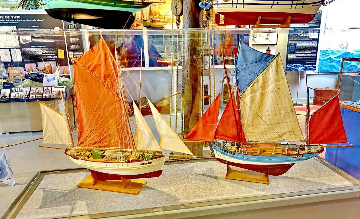 [Vie des ports] Etel d'aujourd'hui et son histoire de la pêche au thon - Page 4 Dsc10469
