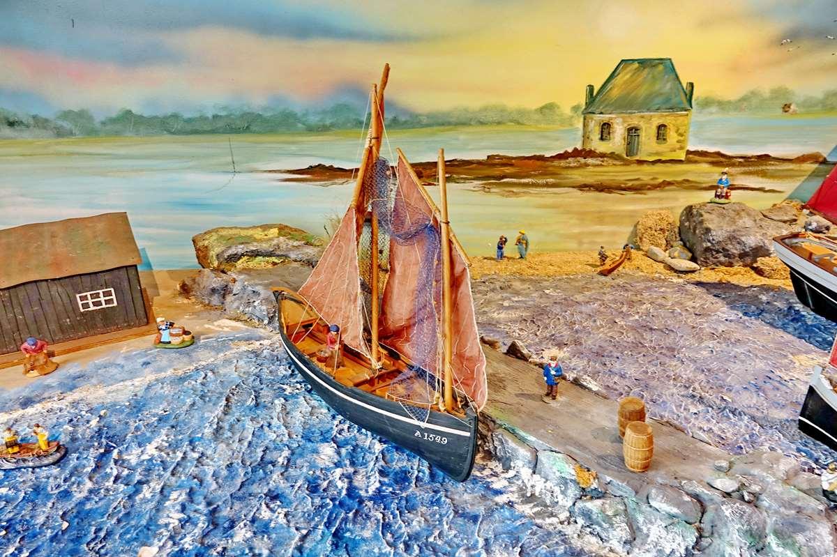 [Vie des ports] Etel d'aujourd'hui et son histoire de la pêche au thon - Page 4 Dsc10497