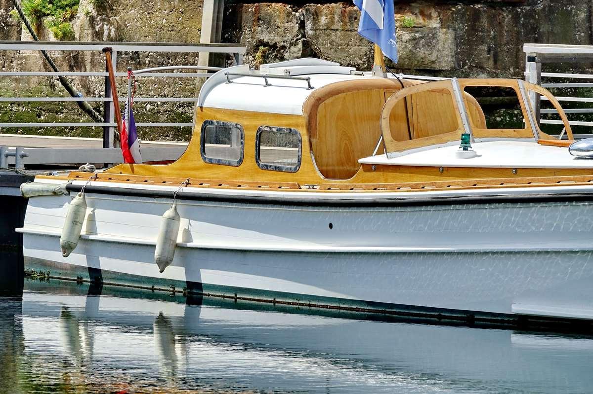 [Vie des Ports ] Port de La Rochelle  - Page 8 Dsc10519
